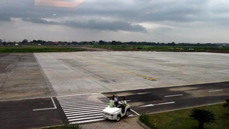 Foto Bandara di Adisumarmo Solo