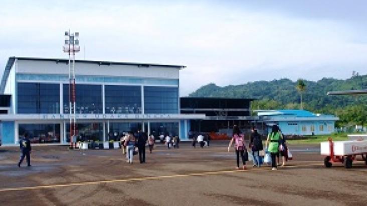 Foto Bandara di Binaka GunungSitoli