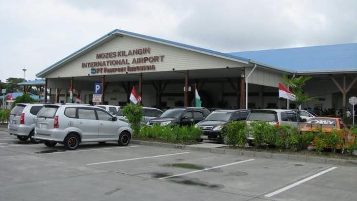 Foto Bandara di Mozes Kilangin Timika