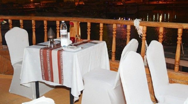 Half-day Dhow Cruise at Dubai Creek with Transfer and Dinner