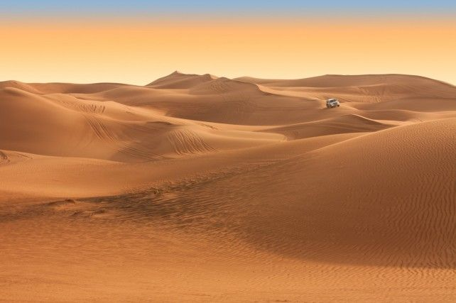 Half-day Evening Desert Safari in Dubai via 4x4 Land Cruiser