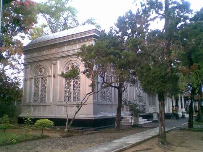 Astana Girilayu