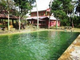 Kolam Renang Aroya