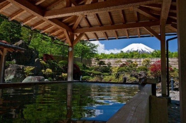 One-day Mt. Fuji, Gotemba Premium Outlets and Onsen Tour with Lunch