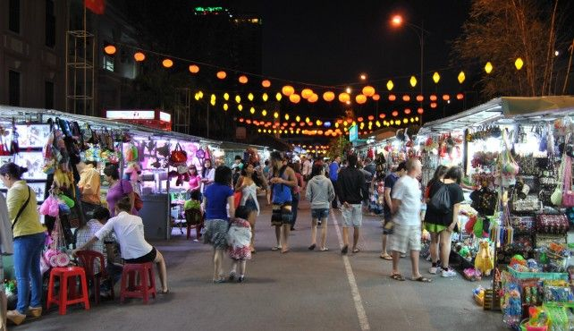 Seafood Tour at Night in Nha Trang by a Cyclo
