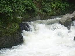 Arung Jeram Sungai Ranoyapo