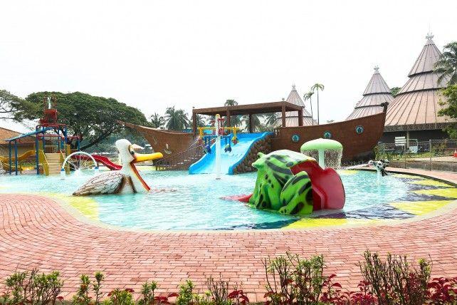 Taman Legenda Keong Emas TMII Jakarta