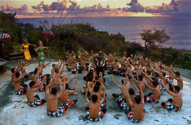 Uluwatu Temple, Kecak Performance, Jimbaran BBQ Dinner - Half Day & Private Tour